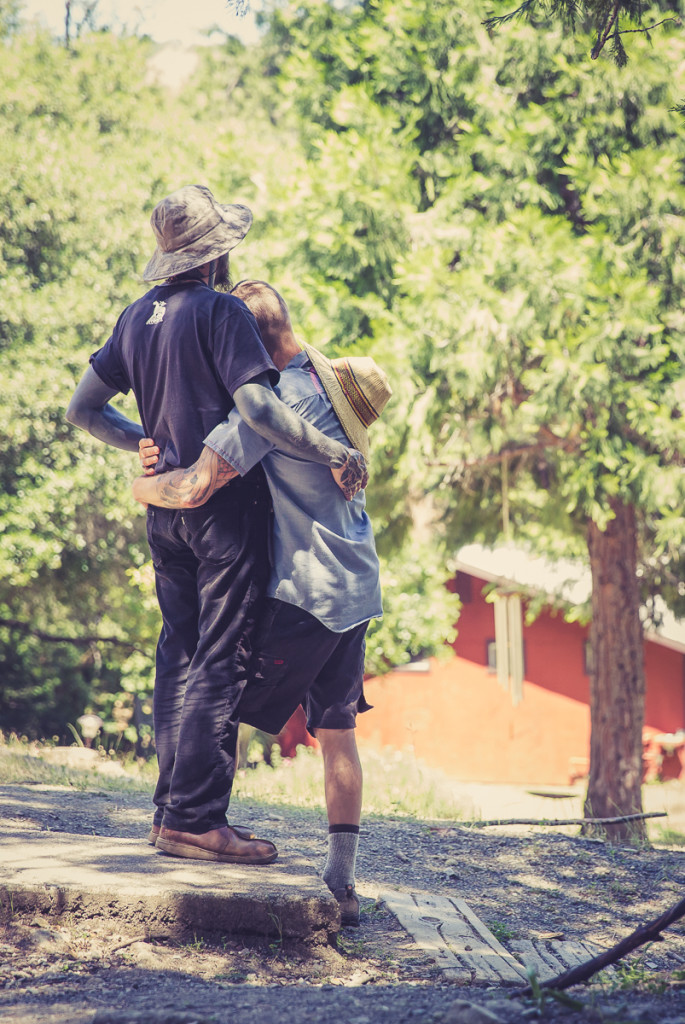 Two lovers embrace at Groundswell Institute northern california retreat center